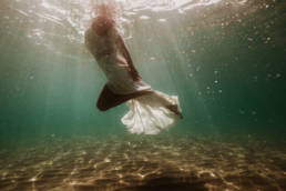 mariage subaquatique dans la mer montpellier