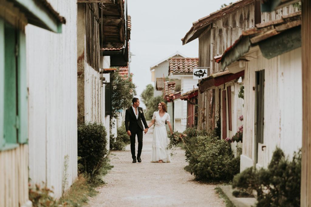 couple mariage village le canon nouvelle aquitaine
