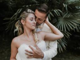 Destination wedding couple jeunes mariés en Provence