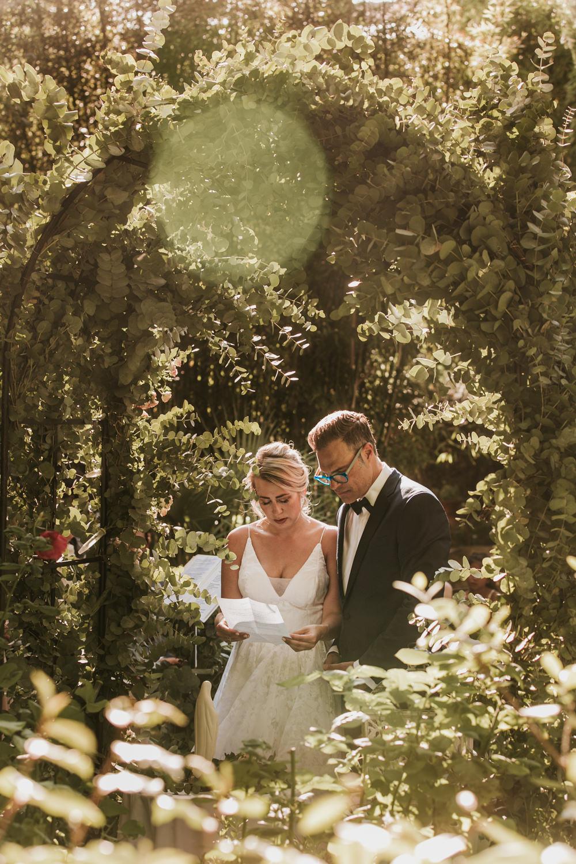 Photographe de mariage à Avignon, cérémonie laïque